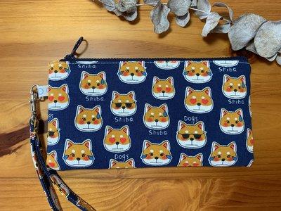【檒手作】Wind Handmade 咪咪笑柴犬 橫式手機袋 / 手腕包 / 收納包