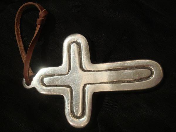 美國帶回,全新從未戴過用過的十字架型吊飾墜子,任您發揮創意!低價起標無底價!免運費!