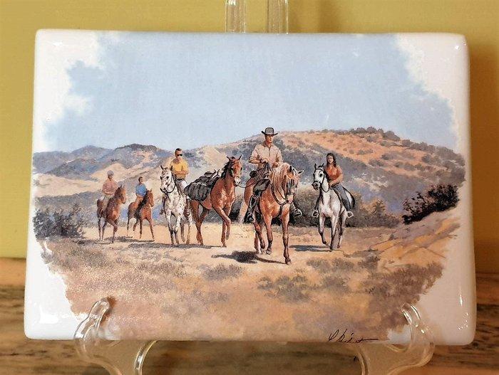 【卡卡頌 歐洲古董】🐴法國老件  LIMOGES  利摩日  荒野騎行  瓷版畫(老件未用)  p1800 ✬