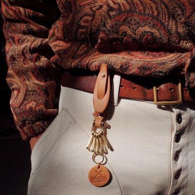 拓荒者革製所。Studio純手工創意汽車鑰匙扣 阿美咔嘰頭層牛皮純黃銅馬蹄扣可掛皮帶 超值福利款!美式復古