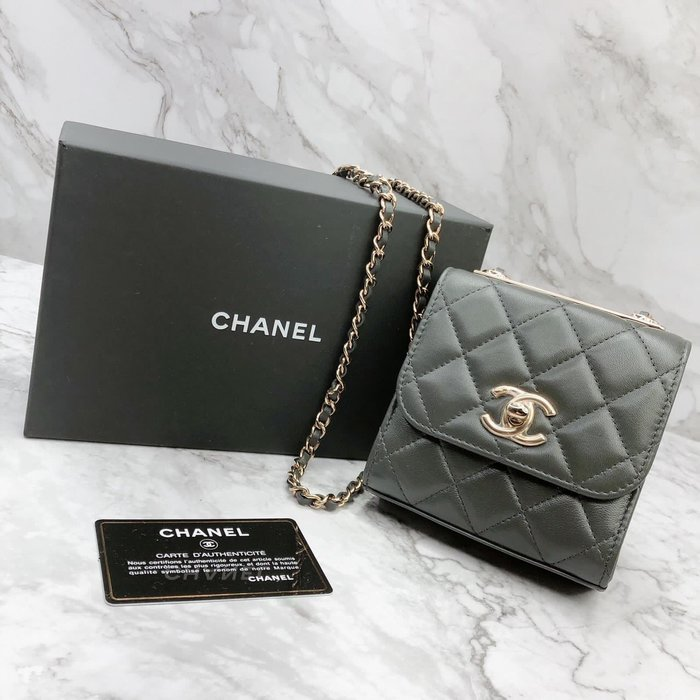 Chanel深灰色mini鏈條包 到貨實拍💙