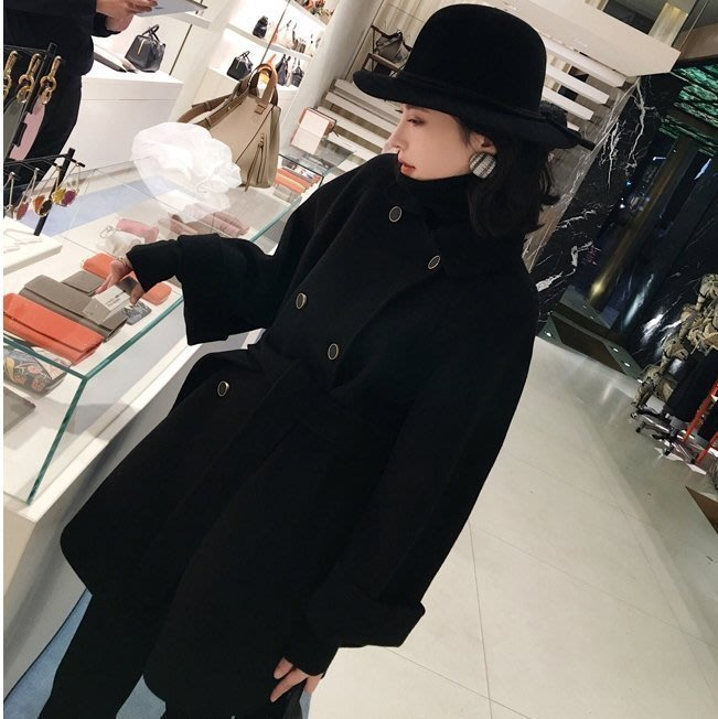 大小姐時尚精品屋~~韓版黑色顯瘦短大衣外套~~3件免運費