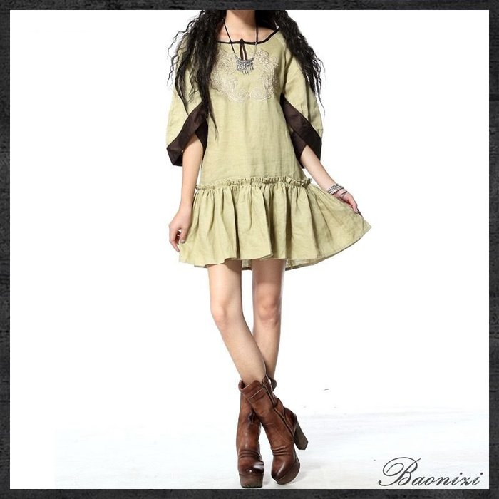 《現貨免運費》新款 大碼百褶裙 復古燈籠袖 棉麻 民族風刺繡 連衣裙 洋裝 A6028 Baonizi 寶妮子