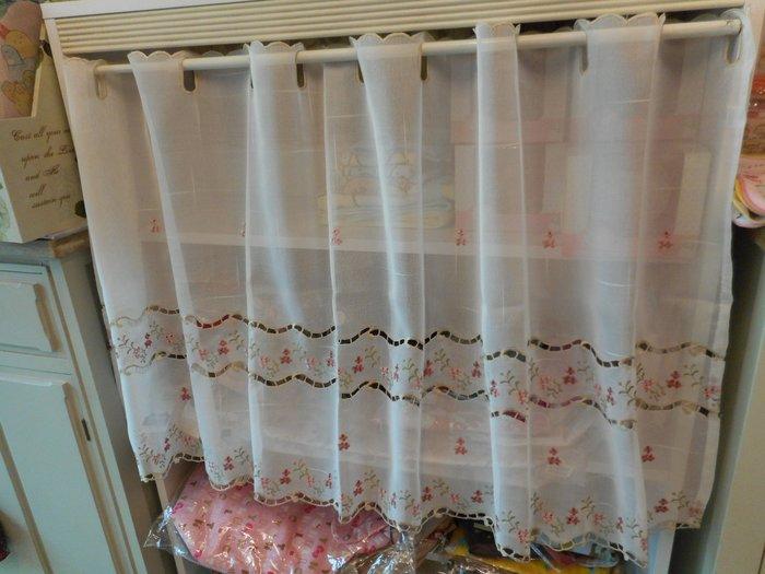 ~~凡爾賽生活精品~~全新日本進口小花刺繡造型短門簾.窗紗.造型簾