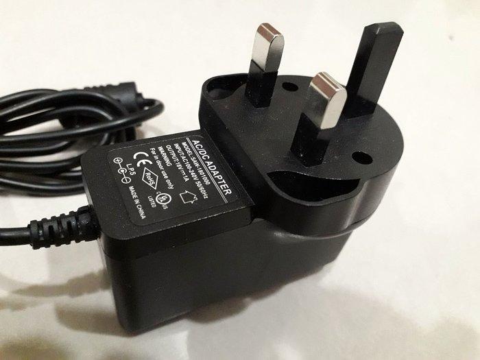 英規 效果器專用高壓18v變壓器 提高動態 降噪優於BOSS 輸出直流 18V 1A 外正內負 輸入100-220 適合表演攜帶 專業音效變壓器adaptor