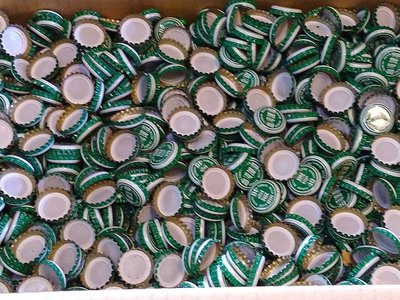 省錢二手拍賣─台灣啤酒瓶蓋,一包500公克,約200個瓶蓋。