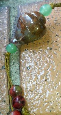 台灣台東東海岸海洗年糕玉心臟玉共生吊飾,東玉年糕玉心臟玉血絲碧玉共生,早期收藏