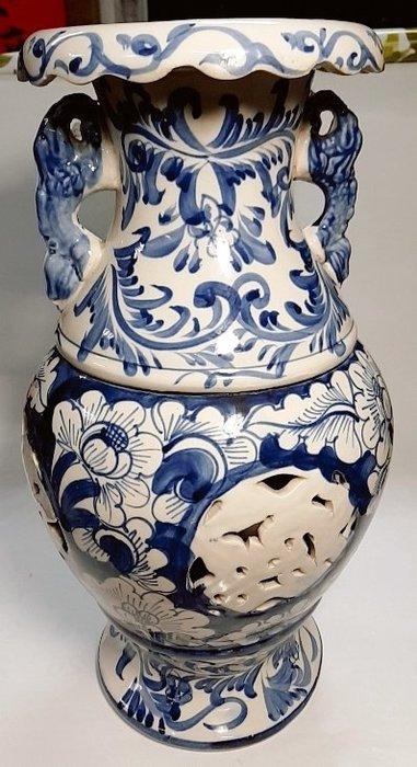 「免運 自取價」 簍空雕 青花瓷 古瓷 大花瓶 高40.5 × 瓶身21 × 瓶底15(公分) 重3012公克 僅此一只