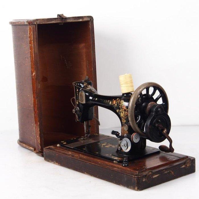 百寶軒 1891年英國古董勝家Singer手搖縫紉機配件全帶箱手搖順暢8品 ZG2283