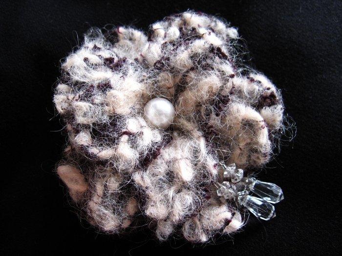 大毛呢真珠水晶珠胸花別針髮飾兩用