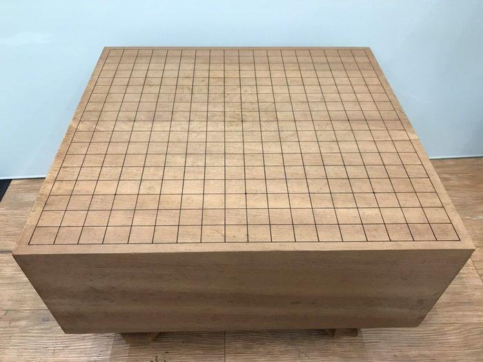【JP.com】日本中古 木製圍棋棋盤 木製無垢 脚付碁盤 時代物 厚約17.6cm E1226-A10