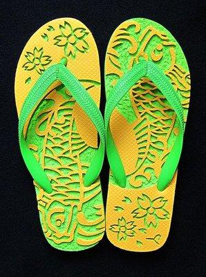 休閒鞋海灘鞋夾腳拖鞋涼鞋像版畫模板又似木雕刻的橡膠雕刻文創藝術品015【心生活美學】
