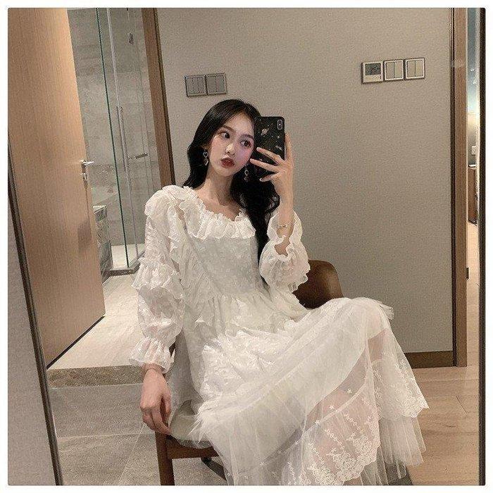 ZIHOPE 女生裙裝款式多經典潮流淑女時尚2019年韓版名媛白色木耳邊娃娃襯衫+網紗蕾絲拼接半身裙ZI812
