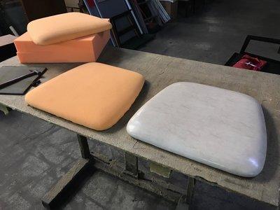 聖茂家具 修理餐椅修理換面 換皮 維修 椅墊換面 翻新 椅子維修換泡棉 餐廳飯店餐桌椅規劃製作