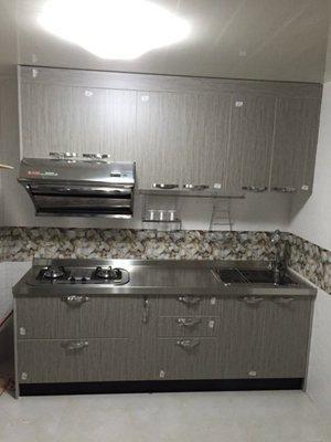 晶潔廚具 風格木紋系列 下櫃不鏽鋼桶#304+美耐門+不鏽鋼檯面#304 上下櫃230CM 搭豪山二機