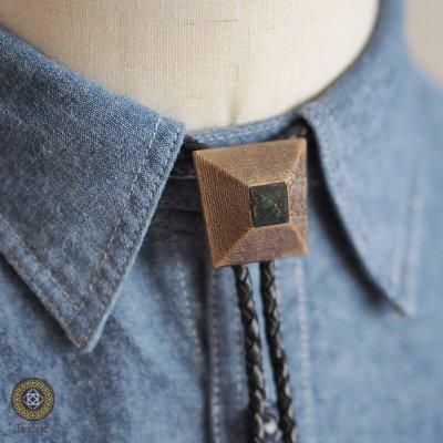 【Textric】保羅領帶 Bolo Tie 金字塔 復古風格 項鍊 襯衫 中性 李鍾碩 A703