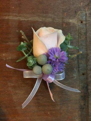 H08。氣質NO1胸花。主婚人胸花。伴娘胸花。粉玫瑰胸花。自取【Flower&House花藝之家】