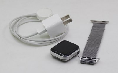 【青蘋果】 Apple Watch4  40mm 銀  二手智慧型穿戴手錶 #DC031