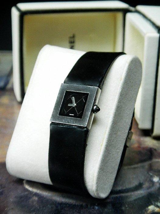 【夜間飛行】(保證100%真品)CHANEL香奈兒Matelassé菱格紋(19mm)不銹鋼女用石英腕錶/限時特價