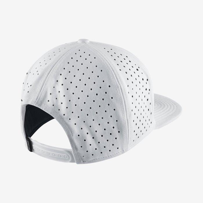 CodE  NIKE SB REFLECT PRO SNAPBACK 3M反光棒球帽(白). 494293559815