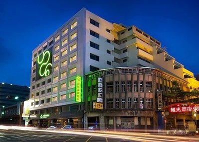 《小樂愛旅遊》成旅晶贊飯店-台中民權館~2021晶贊雙人房平日含2客早餐,每晚$2268元起