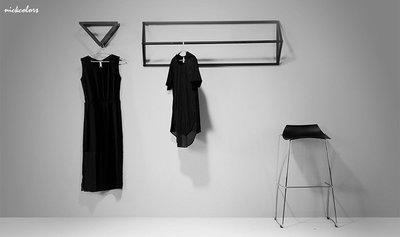 尼克卡樂斯 ~簡約三角壁掛衣架 鐵製吊...