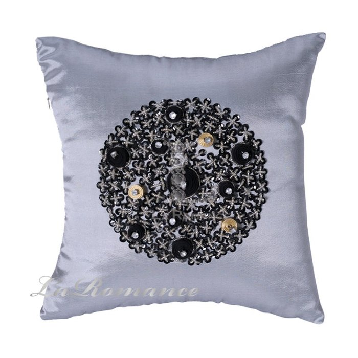 【La Romance 芮洛蔓】Enos 系列 - 縫珠抱枕- 黑灰爵士 (大)  / 腰枕 / 靠枕 / 靠墊