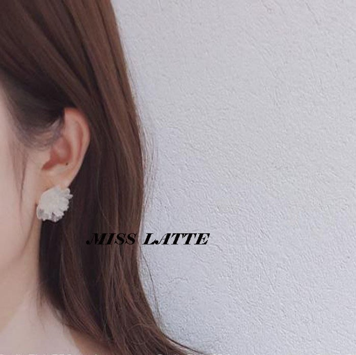 ✿✿拿鐵小姐MISS LATTE✿✿正韓✿✿  韓製 韓國東大門夏新品泫雅風 透明小花 百搭 耳環
