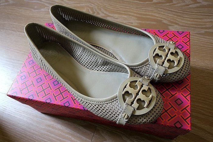 *Beauty*TORY BURCH 淺灰洞洞平底鞋 7 1/2號 WE16