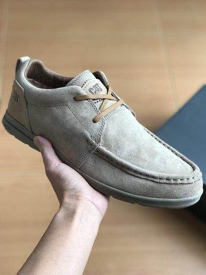 CAT 卡特 低幫輕便戶外休閒鞋 男鞋 超軟牛皮頭層皮低幫潮流休閒鞋 卡其色