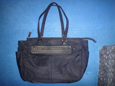 ~保證真品蠻優的 Agnes b. 黑色尼龍布和真皮款置物大方包 肩背包 手提包~便宜起標無底價標多少賣多少