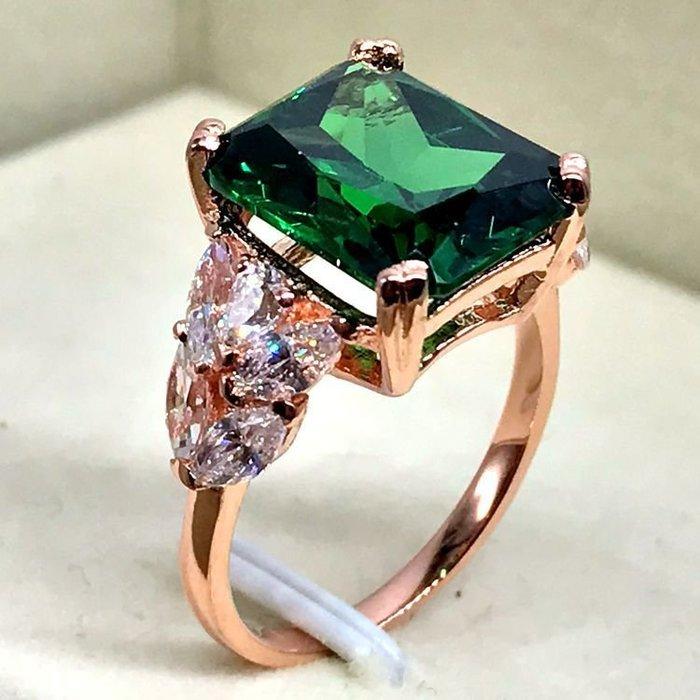 首創帶棉逼真祖母綠鑽戒4克拉豪華款 貴婦必備求婚 結婚 情人節禮物 鑽石高仿真綠寶石純銀戒指 首飾莫桑鑽寶歡迎來圖訂做