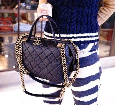 Chanel A92763 Chanel Bowling Bag in Calfskin 牛皮鍊帶保齡肩背包 黑 台北市