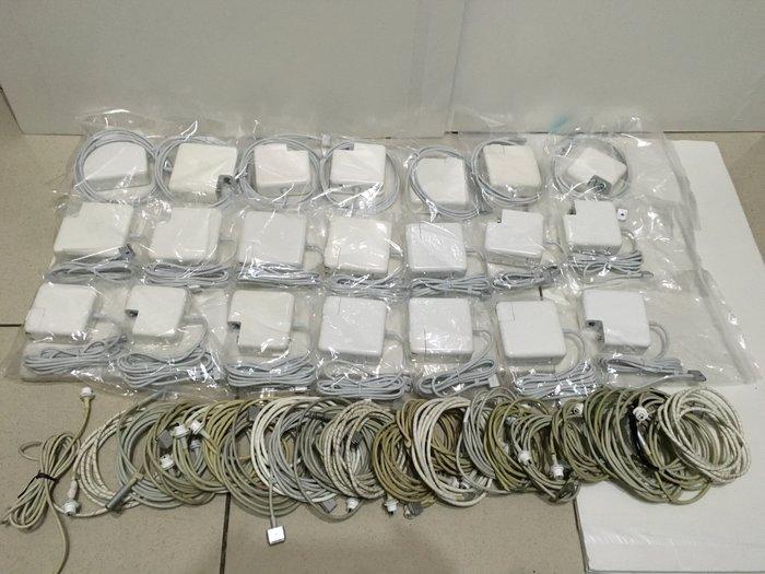 蘋果apple二手原廠電源/變壓器 Magsafe 45W 特價1000元。如預購買全新電源1000元上下請三思