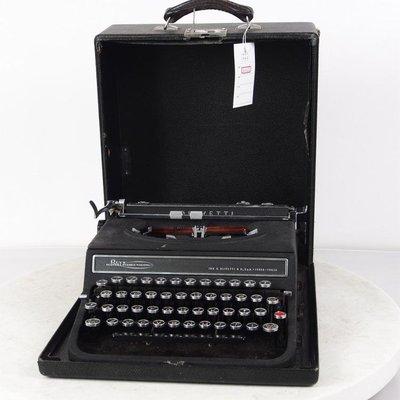 百寶軒 9品西洋古董打字機義大利產黑色情人打字機功能正常帶箱蓋 ZG3143