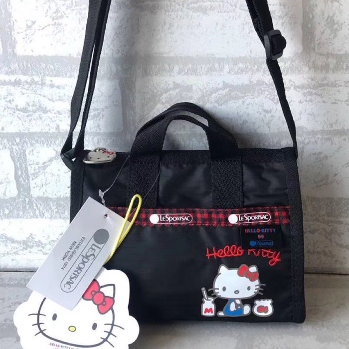 預購 Lesportsac x Kitty 3273 小款 凱蒂貓 kitty頭金屬拉鍊 聯名款 斜背 手提包 輕量 防水 耐磨 旅行推薦