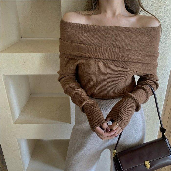 小性感潮流平口坑條上衣 一字領舒適長袖針織衫 艾爾莎【TAE8580】