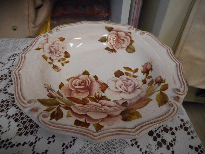 ~~凡爾賽生活精品~~全新義大利進口玫瑰花陶瓷造型餐盤.沙拉盤.水果盤~義大利製造