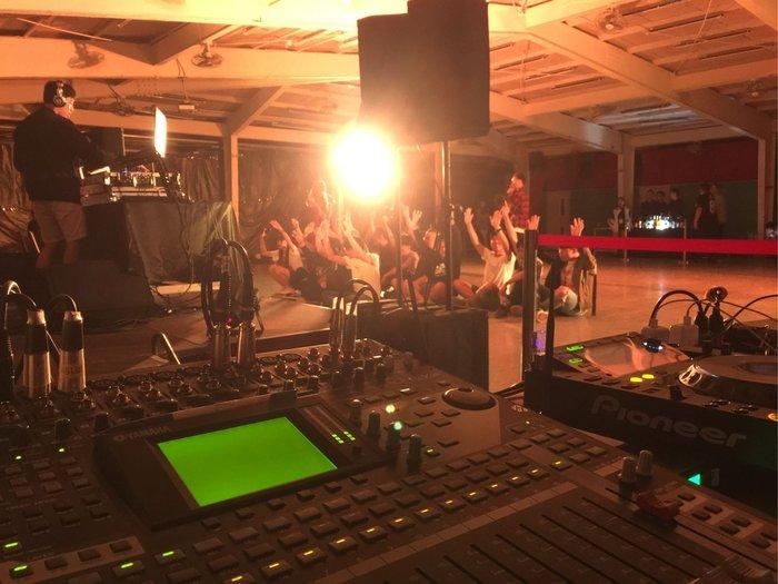 燈光音響活動校園成發硬體執行、音響出租、夜店燈光雷射出租、DJ器材出租。