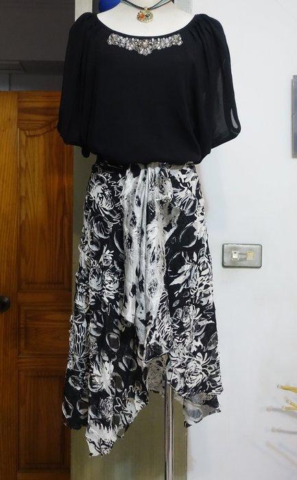 [C.M.平價精品館]均碼現貨出清特價/前隱形拉鏈立體進口布料不規則裙襬及膝裙