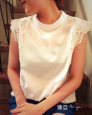 正韓 小領版型優雅氣質蕾絲邊上衣賣黑