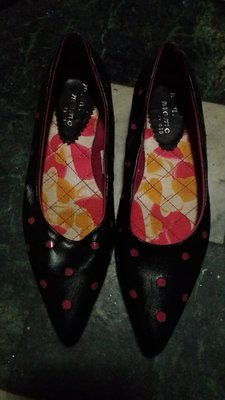 專櫃品版普普風點點黑色平底鞋
