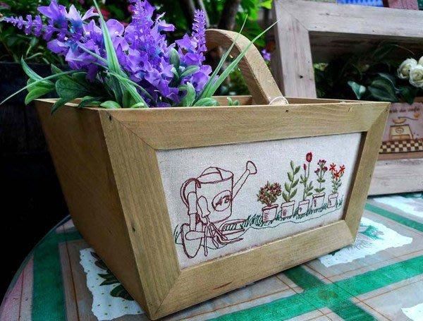 手提花盒--秘密花園--日本手作感鄉村風繡花木製手提籃/提盒--出清價