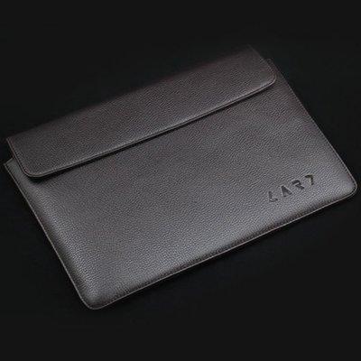 CARD MBA-02 新加坡CARD經典頂極真皮電腦包 Design for Mac Book Air!!