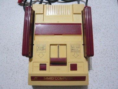【~嘟嘟電玩屋~】原裝任天堂紅白機 ( 已改AV端子 .不破壞外殼, 操作正常 ) ----(4號)