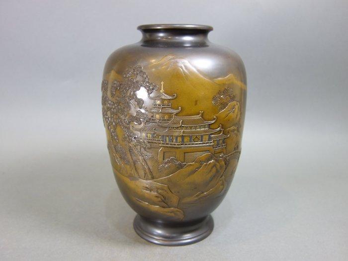 『華寶軒』花道具 昭和時期 銅製 義正作秀玉造 金銀象嵌高浮雕山水 花瓶 重2776g
