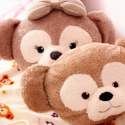 【新品特價$499】可愛達菲熊 雪莉梅車枕空調毯二合一 車用小涼被 抱枕 午睡毯