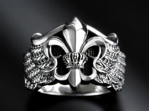 【創銀坊】凱旋銀翼 鳶尾花 925純銀 戒指 戒子 rock 龐克 星星 騎士 哈雷 十字架 克羅心 劍(R-9605)