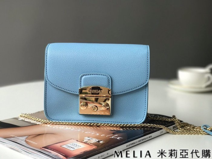 Melia 米莉亞代購 商城特價 數量有限 每日更新 FURLA 經典小方 淑女包 單肩斜背包 素色來襲 水藍色