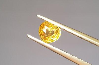 揚邵一品(附國際證)1.05克拉黃色藍寶石愛心切割~天然黃色剛玉,整顆淨度高火光好,招財必備黃色寶石